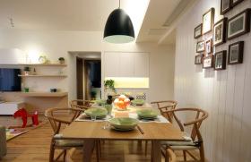 原木风现代简约餐厅装修设计