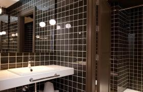 黑色卫生间装修设计