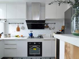 简约北欧精致化独立式厨房设计