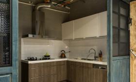 独立式小户型工业风L型厨房设计
