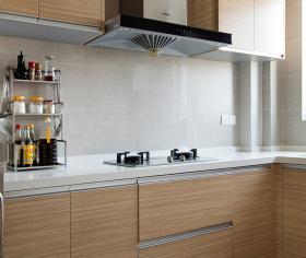 清新简约厨房橱柜装修设计