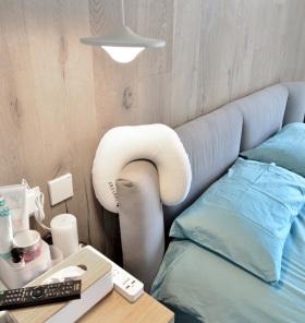 简约北欧宜家卧室床头设计