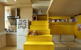 明黄色系LOFT小户型客厅设计