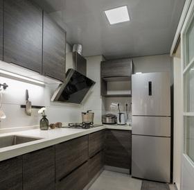 简约现代一字形厨房设计