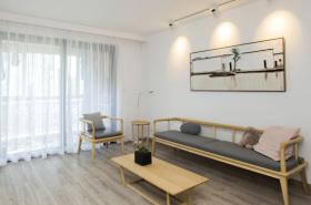 简约新中式原木客厅装修设计