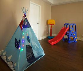 简约活泼儿童玩具房设计
