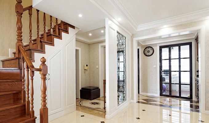 巧用装饰物,让走廊空间充满艺术感